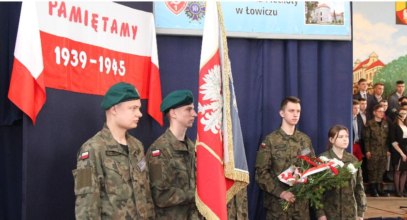 Uroczystości patriotyczne, Kwiecień miesiącem pamięci narodowej akademia Zespole Szkół Ponadgimnazjalnych - zdjęcie, fotografia