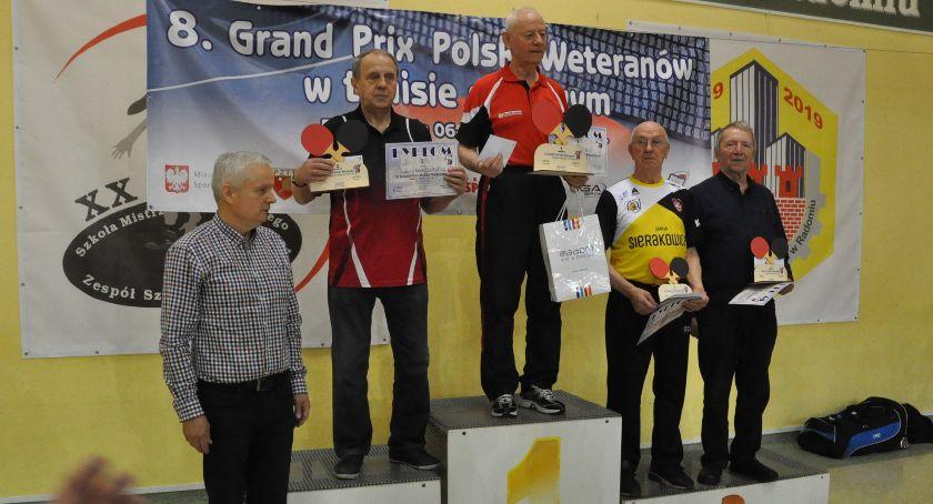 Tenis stołowy, Podium Zdzisława Orzechowskiego turnieju tenisa stołowego Radomiu - zdjęcie, fotografia