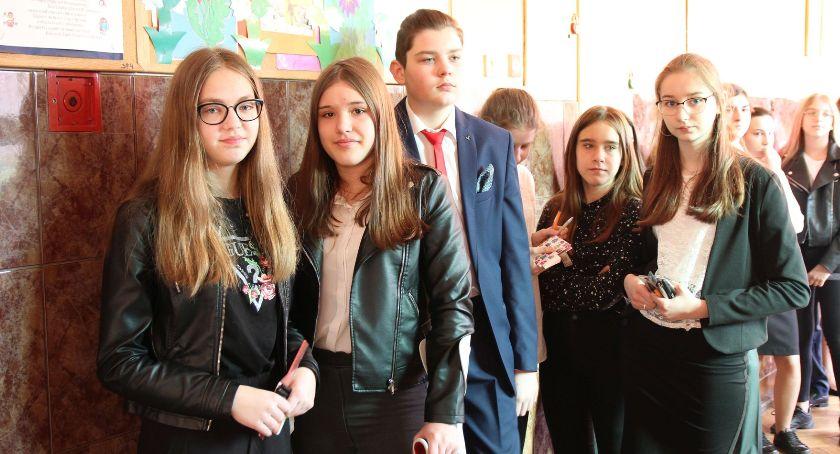 Edukacja, Drugi dzień egzaminu ósmoklasisty Łowiczu - zdjęcie, fotografia