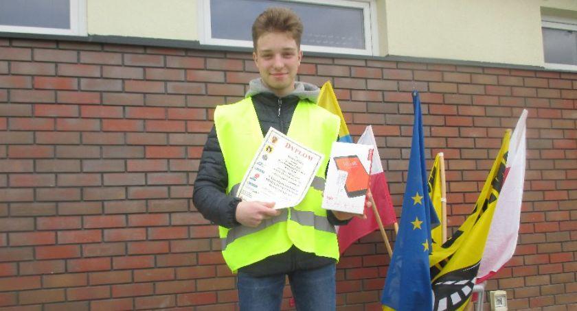Edukacja, Uczeń Łowiczu trzeci etapie rejonowym turnieju motoryzacyjnego - zdjęcie, fotografia