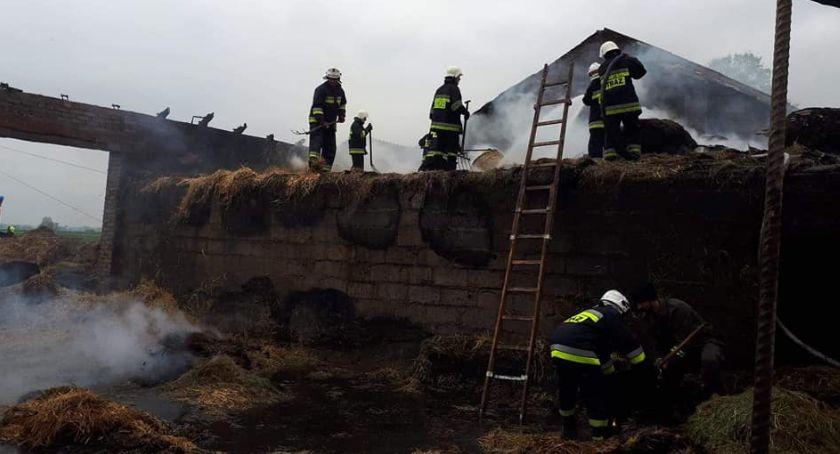 Interwencje straży pożarnej, Pożar stodoły Łaźnikach Straty szacowane złotych - zdjęcie, fotografia