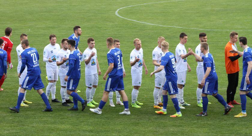 Piłka nożna, Ważne zwycięstwo Pelikana Pierwsza wygrana wodzą Mykoły Dremliuka (ZDJĘCIA) - zdjęcie, fotografia