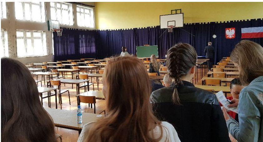 Edukacja, Matura Alarmy bombowe łowickich szkołach AKTUALIZACJA - zdjęcie, fotografia