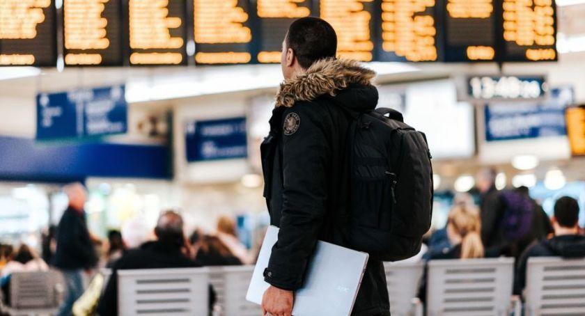 Gospodarka, Tanie bilety lotnicze możliwe Sprawdź kupować żeby przepłacać - zdjęcie, fotografia