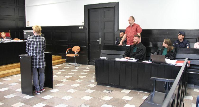 Z sali rozpraw, Zabójstwo Mirona Łowicza Zeznania siostry matki zamordowanego - zdjęcie, fotografia