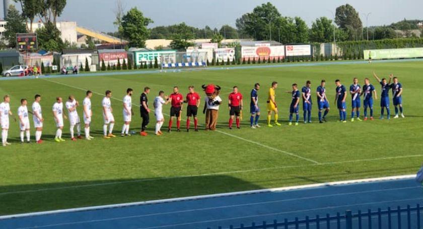 Piłka nożna, Zambrowa tarczy Pelikan przegrał Olimpią - zdjęcie, fotografia