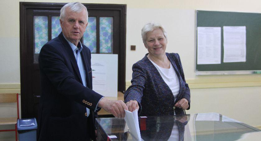 Wybory do europarlamentu 2019, Łowicz trwają wybory Parlamentu Europejskiego (ZDJĘCIA) - zdjęcie, fotografia