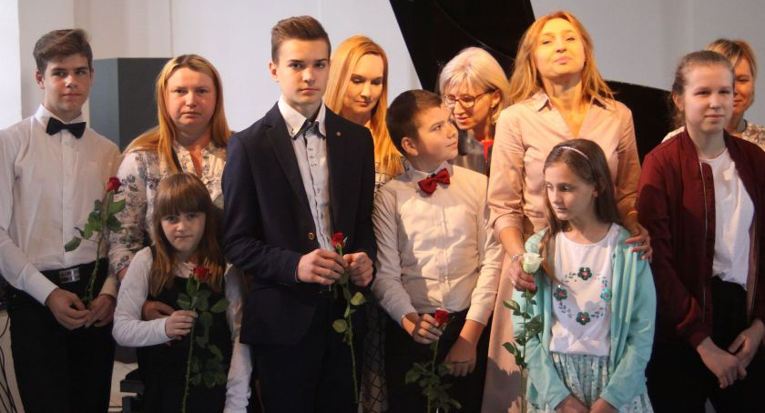 Koncerty, Koncert okazji Matki Galerii Browarna (ZDJĘCIA) - zdjęcie, fotografia