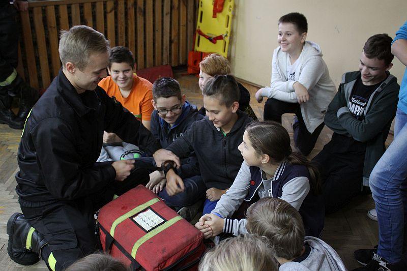 L24, Ćwiczyli udzielanie pierwszej pomocy - zdjęcie, fotografia