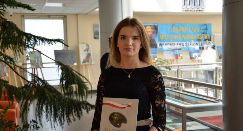 Edukacja, Kolejny wielki sukces uczennicy Łowiczu - zdjęcie, fotografia