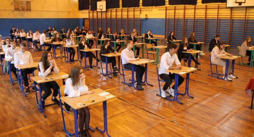 Edukacja, Skrócone lekcje szkołach Łowiczu - zdjęcie, fotografia