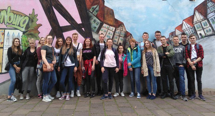 Edukacja, Uczniowie ZSCKR Zduńskiej Dąbrowie stażu zawodowym Niemczech - zdjęcie, fotografia