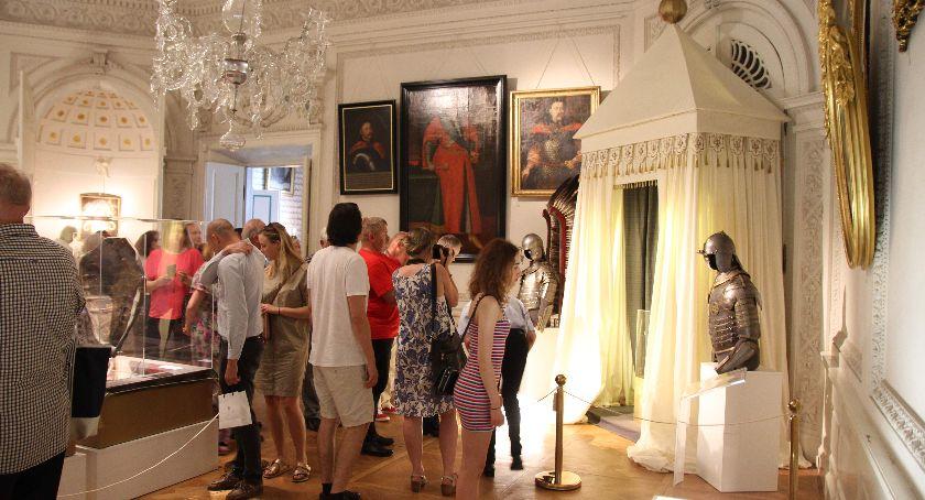 Wystawy, Wystawa Sobiescy Radziwiłłowie Strażnicy Wizerunku Maryjnego OTWARTA - zdjęcie, fotografia