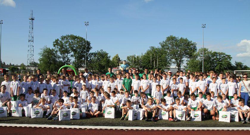 Piłka nożna, Zakończenie sezonu Pelikan Łowicz (DUŻO ZDJĘĆ) - zdjęcie, fotografia