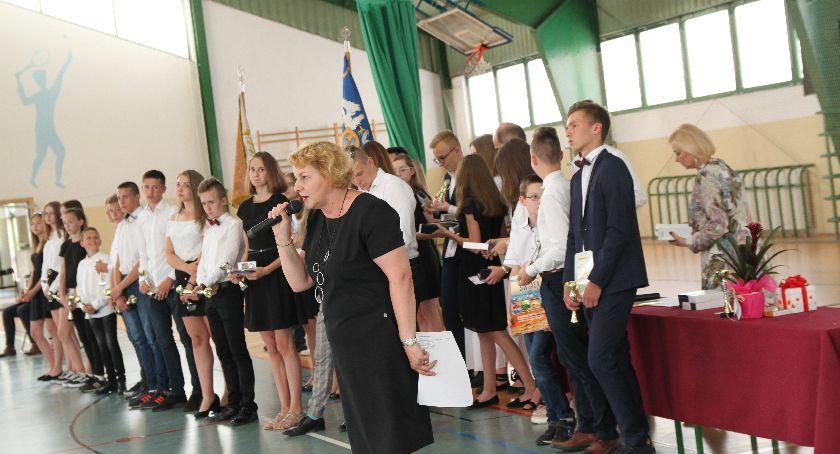 Edukacja, Zakończenie szkolnego Szkole Podstawowej Łowiczu (FOTO) - zdjęcie, fotografia