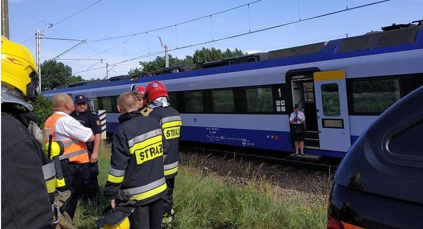 Interwencje straży pożarnej, Nietypowa interwencja strażaków Łowiczem Zostali poproszeni udzielenie pomocy pasażerom pociągu - zdjęcie, fotografia