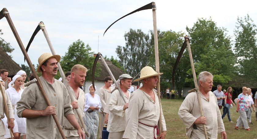 """Koncerty, """"Folklor ludowy szyty miarę"""" Wiemy wystąpi powiatowej imprezie Maurzycach - zdjęcie, fotografia"""