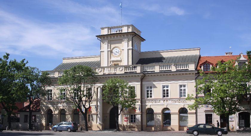 Urząd Miejski, Konkurs Zielone Miasto Łowiczu Można jeszcze składać zgłoszenia - zdjęcie, fotografia
