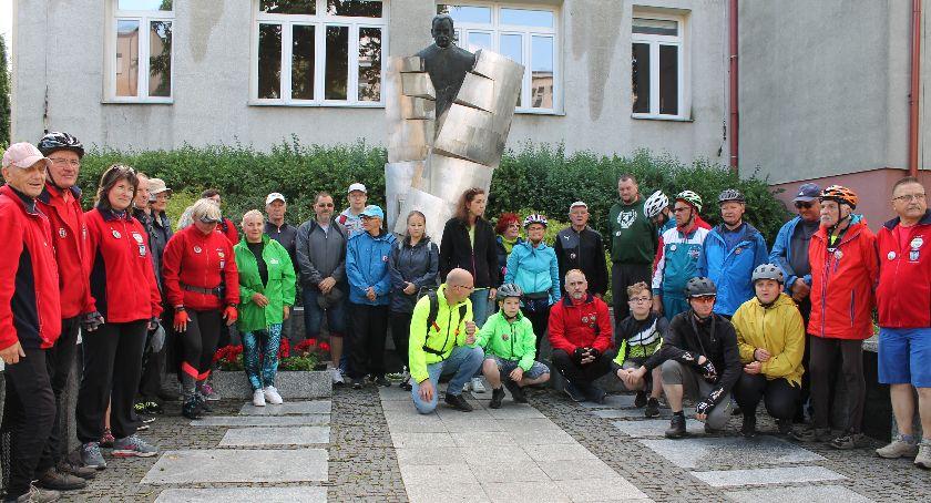 Turystyka i rekreacja, rowerach Borowa rocznicę urodzin Władysława Grabskiego (ZDJĘCIA) - zdjęcie, fotografia