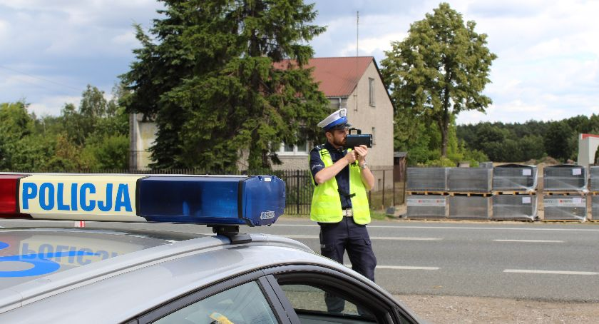 Komunikaty policji , Jechała terenie zabudowanym Straciła prawo jazdy miesiące - zdjęcie, fotografia