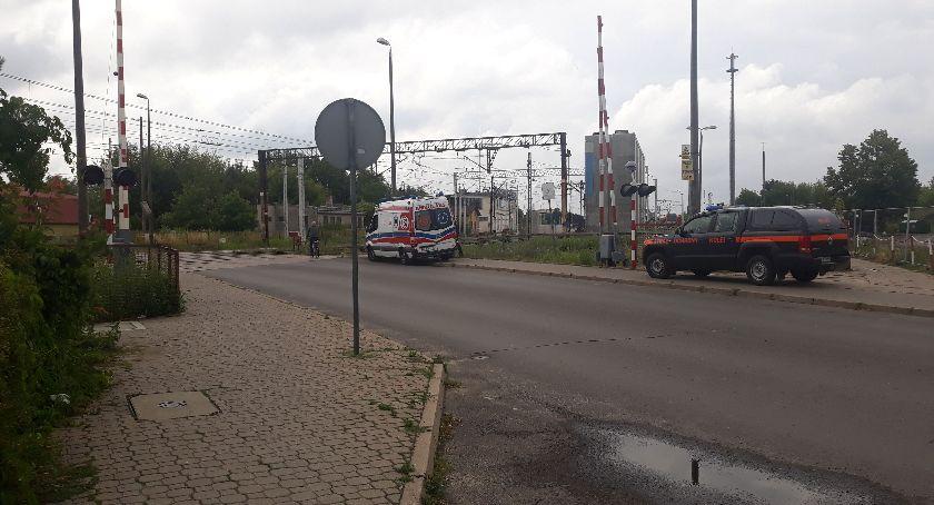 Wasze sprawy, Łowicz ranny mężczyzna leżał przejeździe kolejowym - zdjęcie, fotografia
