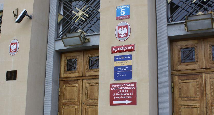 Z sali rozpraw, Głośne morderstwo Łowiczem zadecydował losie Dominika podejrzanego zabójstwo matki - zdjęcie, fotografia