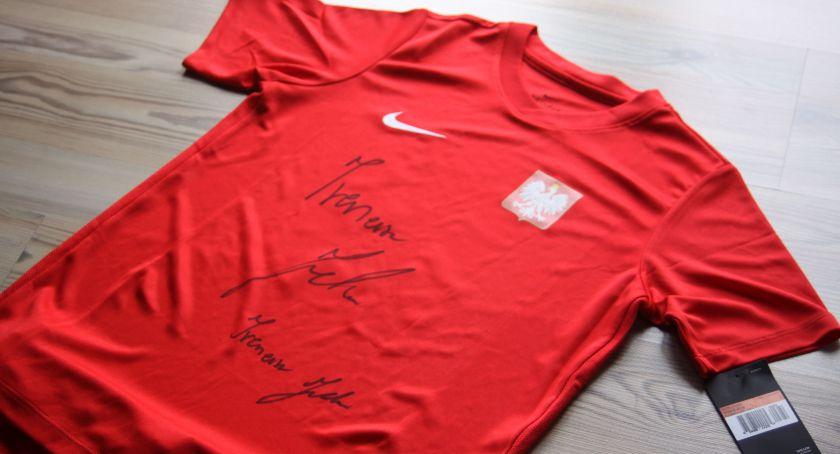 Konkursy, Wygraj koszulkę spodenki reprezentacji Polski podpisem Ireneusza Jelenia! (KONKURS) - zdjęcie, fotografia