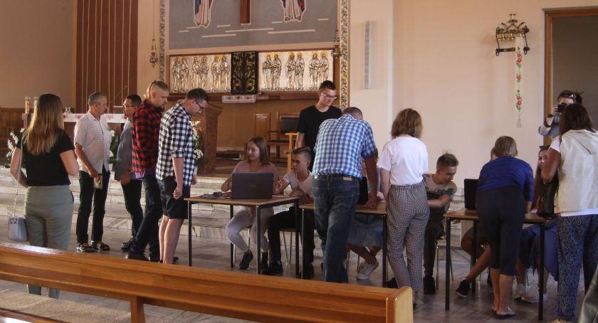 Kościół, Odliczanie ŁPPM Jasną Górę Tomasz Stępniak najtrudniejsze podjęcie decyzji - zdjęcie, fotografia
