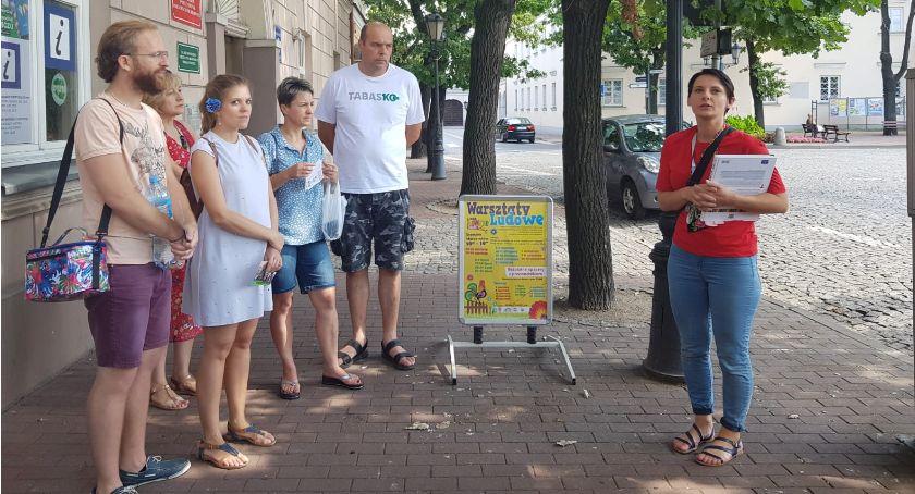 Stowarzyszenia, Spacer przewodnikiem Łowiczu Tematem Barok Łowiczu - zdjęcie, fotografia