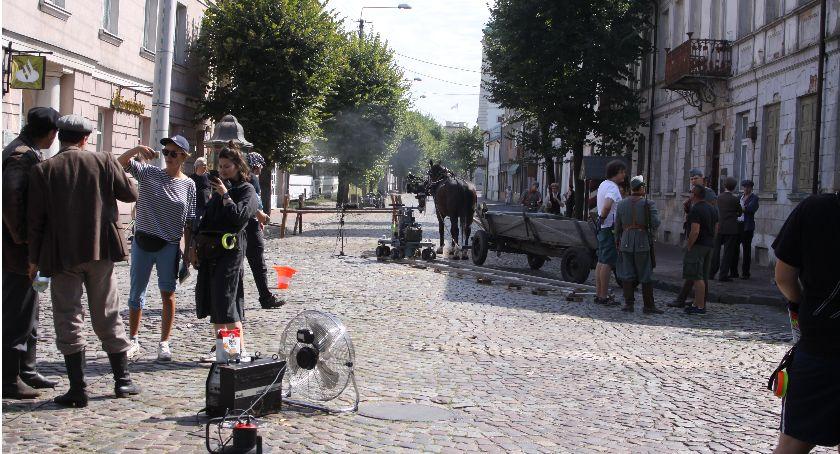 Wasze sprawy, Ulica Podrzeczna Łowiczu zamieniła dziś filmowy - zdjęcie, fotografia