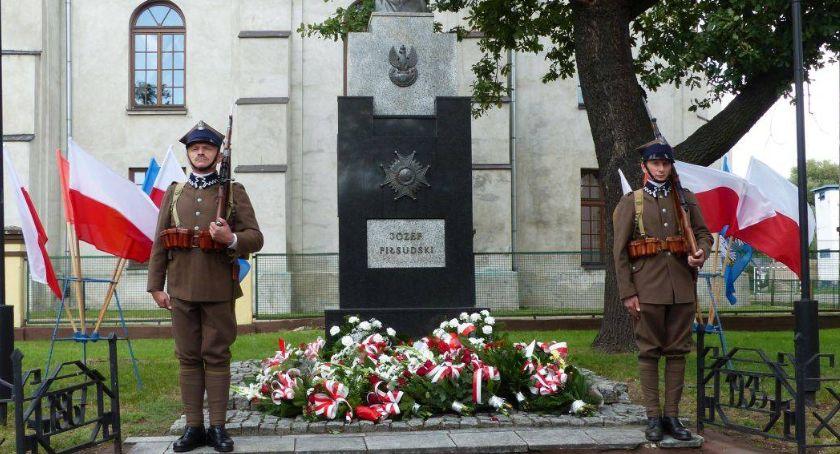 Uroczystości patriotyczne, czwartek uroczyste obchody Święta Wojska Polskiego - zdjęcie, fotografia