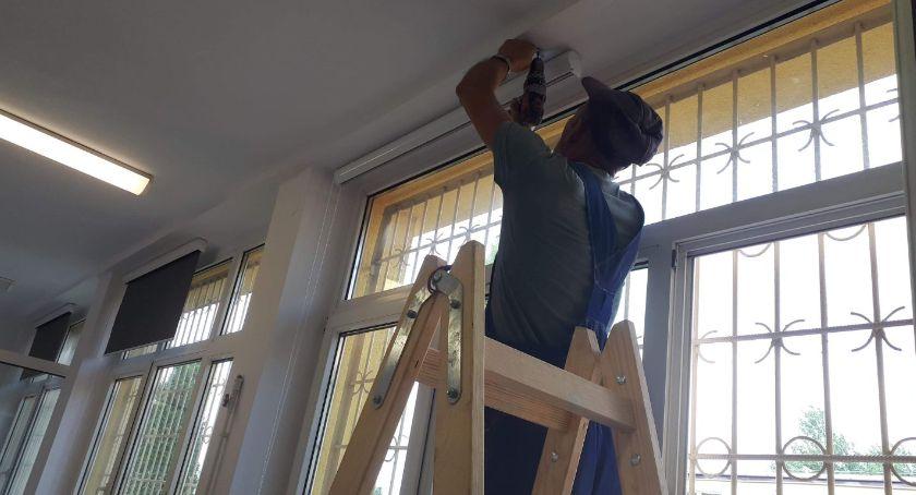 Edukacja, Wakacyjne remonty szkołach średnich Łowiczu - zdjęcie, fotografia