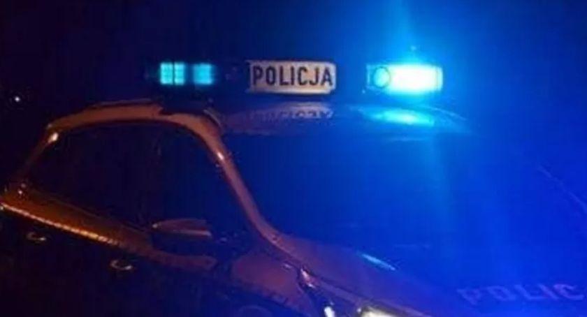 Kronika policyjna, Pijany latek prawa jazdy jeździł autem Łowiczu - zdjęcie, fotografia