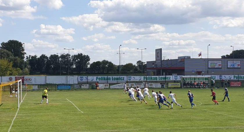 Piłka nożna, Pelikan Łowicz podejmie niedzielę Znicz Biała Piska - zdjęcie, fotografia
