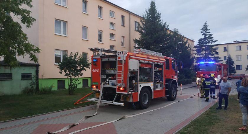 Straż Pożarna, Pożar Szarych Szeregów Łowiczu Ewakuowano ponad mieszkańców - zdjęcie, fotografia
