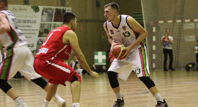 Koszykówka, kontrolnych koszykarzy Księżaka Łowicz - zdjęcie, fotografia