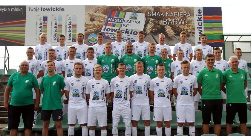 Piłka nożna, niedzielę kolejny Pelikana - zdjęcie, fotografia