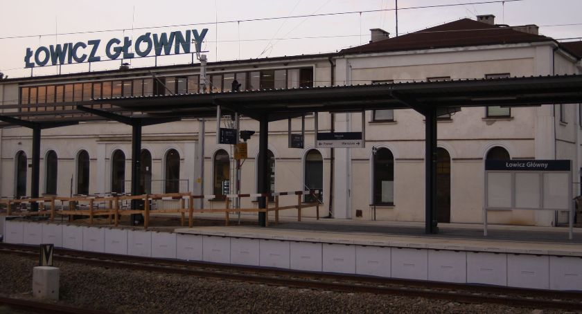 Inwestycje, Peron numer stacji Łowicz Główny gotowy przyjęcia podróżnych (ZDJĘCIA) - zdjęcie, fotografia