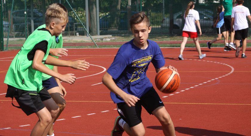 Koszykówka, Wakacyjny turniej koszykówki ulicznej Łowicz Streetball Tournament (ZDJĘCIA) - zdjęcie, fotografia