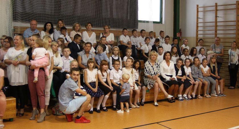 Edukacja, Rozpoczęcie szkolnego Łowiczu (ZDJĘCIA) - zdjęcie, fotografia