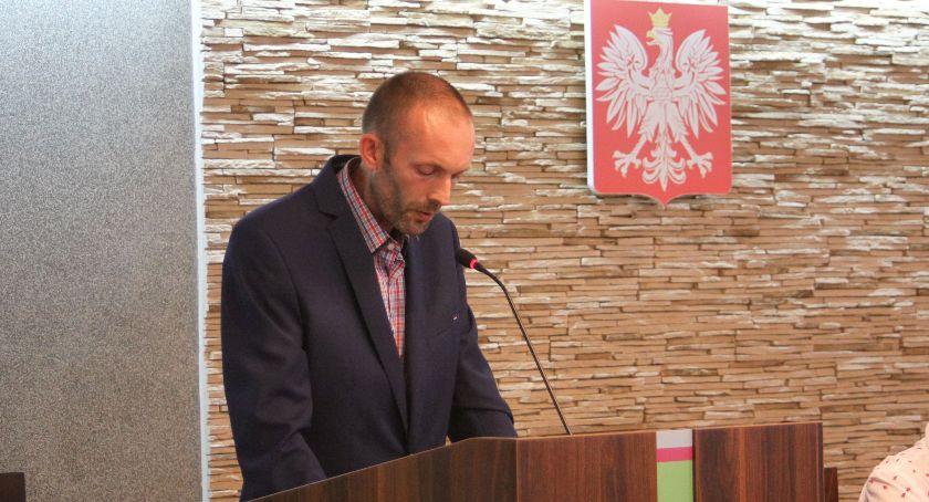 Starostwo Powiatowe, Lokalny działacz został dyrektorem wydziału Starostwie Powiatowym Łowiczu - zdjęcie, fotografia