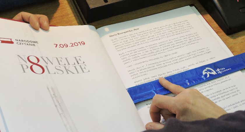 Zza krat, kolejny Narodowe Czytanie Łowiczu - zdjęcie, fotografia