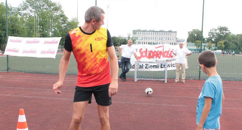 """Stowarzyszenia, rocznicę powstania """"Solidarność"""" Łowiczu świętują sportowo - zdjęcie, fotografia"""