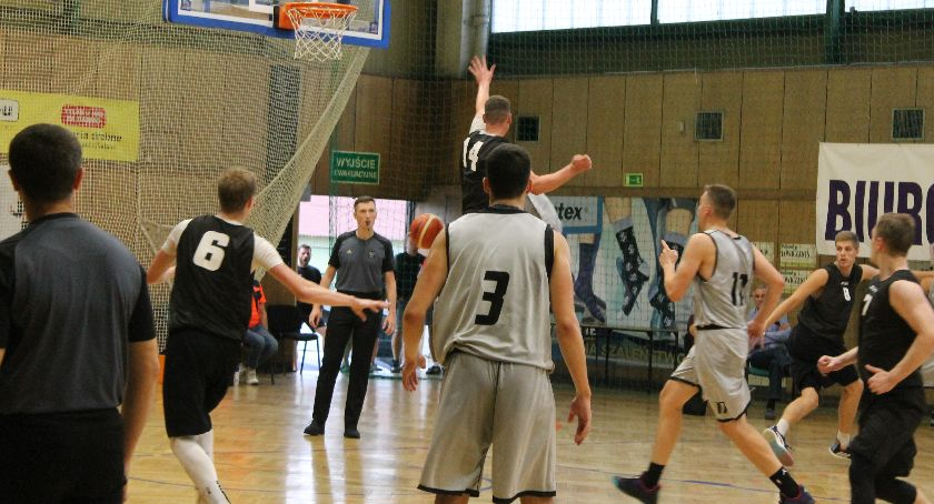 Koszykówka, Turniej koszykarski seniorów Puchar Burmistrza Miasta Łowicza - zdjęcie, fotografia