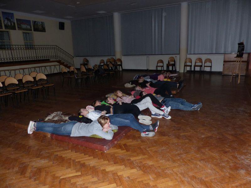 Edukacja, Nocny seans filmowy - zdjęcie, fotografia