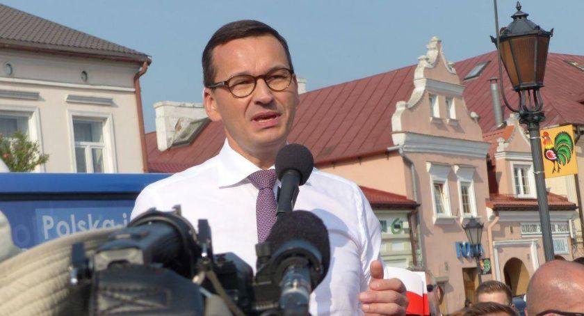 Gospodarka, Premier Mateusz Morawiecki odwiedzi zakład produkcyjny Łowiczu - zdjęcie, fotografia