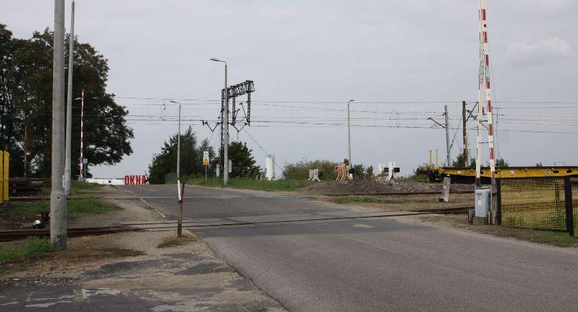 Inwestycje, październiku czasowo zamknie przejazd kolejowy Łowiczu - zdjęcie, fotografia