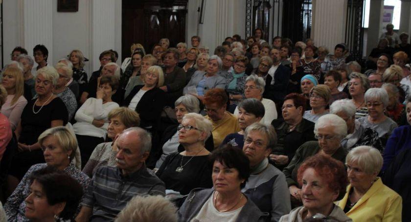 Stowarzyszenia, Łowicki Uniwersyt Trzeciego Wieku niebawem inauguracja akademickiego - zdjęcie, fotografia