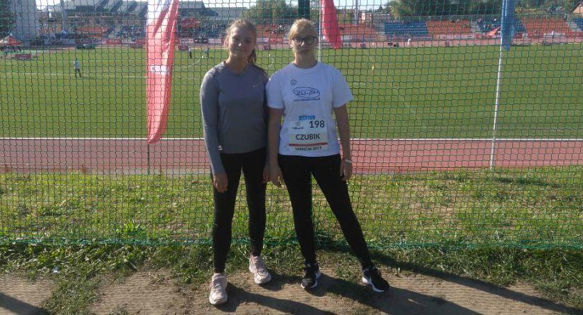 Lekkoatletyka, Malina Wójcik Bogumiła Czubik medali lekkoatletycznych mistrzostwach Polski - zdjęcie, fotografia