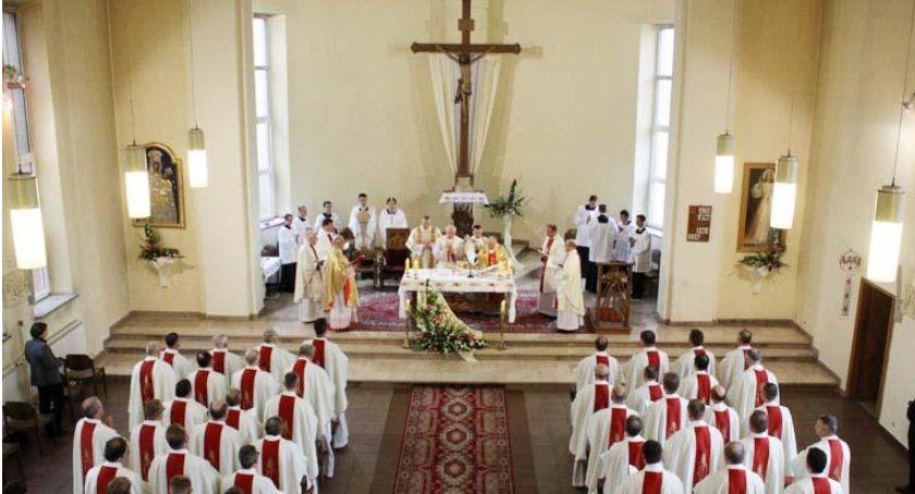 Kościół, Łowickie seminarium wzbogaciło nowych kleryków - zdjęcie, fotografia